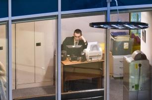 Российские законодатели предлагают запретить сидеть в соцсетях на работе