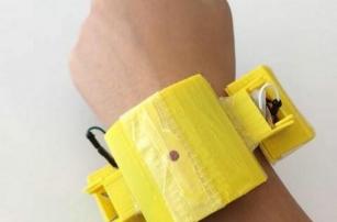 Школьник напечатал на 3D-принтере устройство для отслеживания здоровья сердца матери