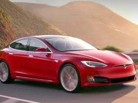 Tesla презентовала самый быстрый серийный седан