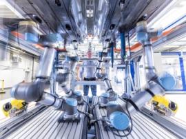 Tesla приступила к полной роботизации производства