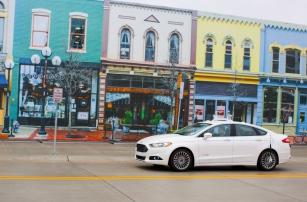 Ford протестировал свой беспилотник в поддельном городе Mcity