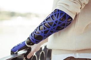 UNYQ выпускает чехлы для протезов, созданные на 3D-принтере