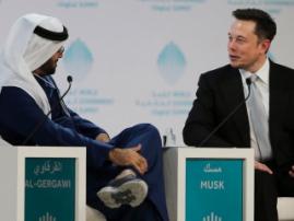 В Дубае появится крупнейший беспилотный таксопарк… А также другие новости индустрии подключённых авто