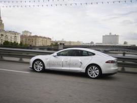 В Москве запустили сервис такси от Tesla