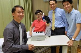 В Сингапуре создали робоперчатку для реабилитации после травм