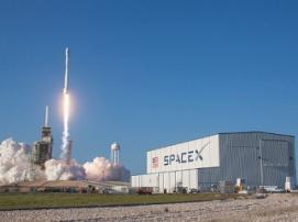 В США провели испытания ракетоносителя Falcon Heavy