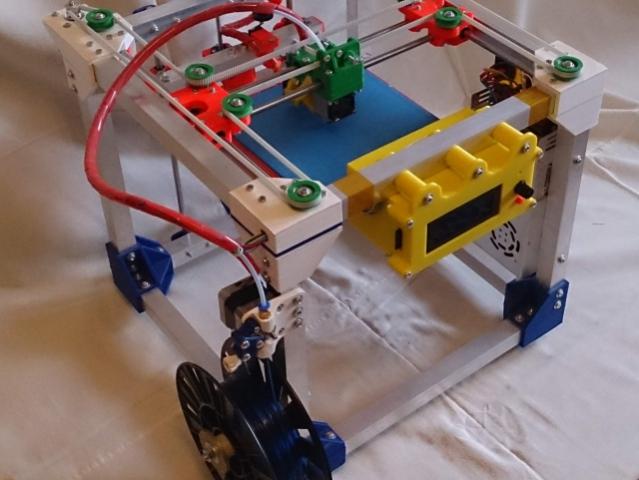 16-летний школьник из Волгограда запустил бизнес по сборке 3D-принтеров