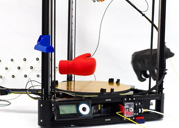 3D-принтер вооружили боксерской перчаткой