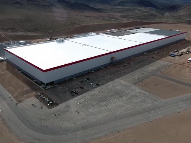 7 приголомшивих переваг заводу Tesla Gigafactory