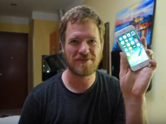 Американець поділився роликом збірки «власноруч» iPhone 6s