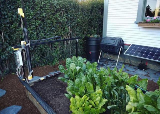 Американец создал 3D-печатного робота-садовника