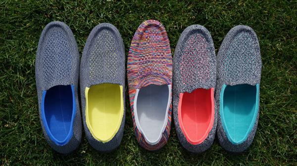 Американцы вяжут индивидуальную обувь на 3D-принтере