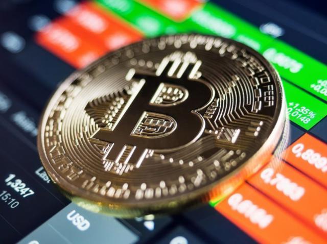 April high: bitcoin surges to $9k