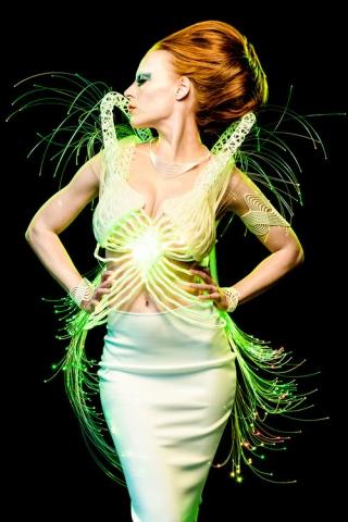 Айман Ахтар создал потрясающее 3D-печатное платье, похожее на наряды из «Звездного пути»
