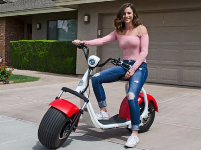 Big Phat Scooter: тепер на пляжі не лише босяка, але й на скутері!