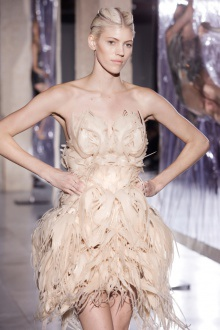 Iris van Herpen 'Biopiracy' 2014: shrink-wrapped models and 3D printed flexible dress