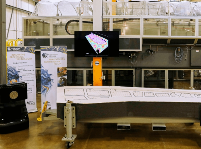 Boeing and ORNL have manufactured the largest 3D tool for aircraft construction