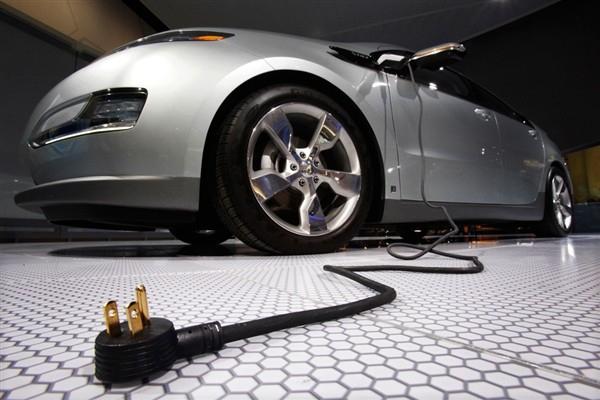 Более 30 автолюбителей на электрокарах завтра установят новый рекорд Украины!