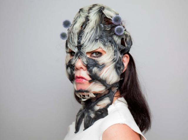 Бьорк будет выступать в маске «без кожи», созданной с помощью 3D-печати