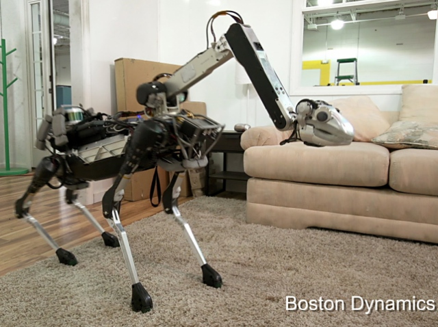 Boston Dynamics создала игривую робособаку, которая может помогать по хозяйству