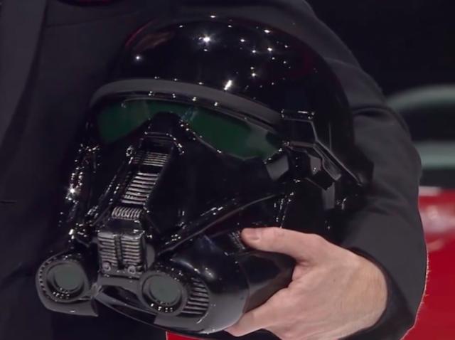 Для поклонников «Звездных войн»: 3D-печатный шлем имперского штурмовика — в подарок к Nissan Rouge One