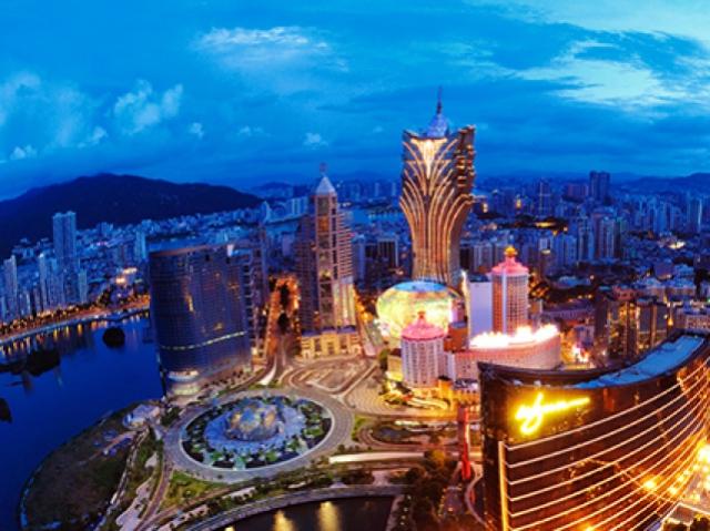 Macau gambling revenue continues to fall