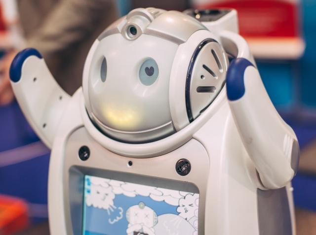 Друг в быту и помощник в бизнесе: международная выставка робототехники Robotics Expo