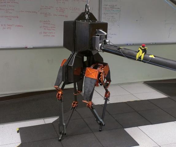 Двуногий робот из Орегонского университета впервые вышел на прогулку