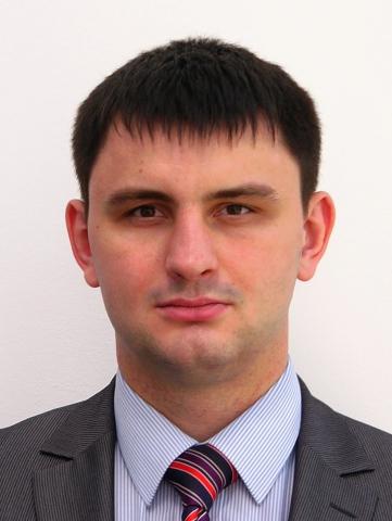 Евгений Молчанов — модератор круглого стола с участием ученых из «Сколково»