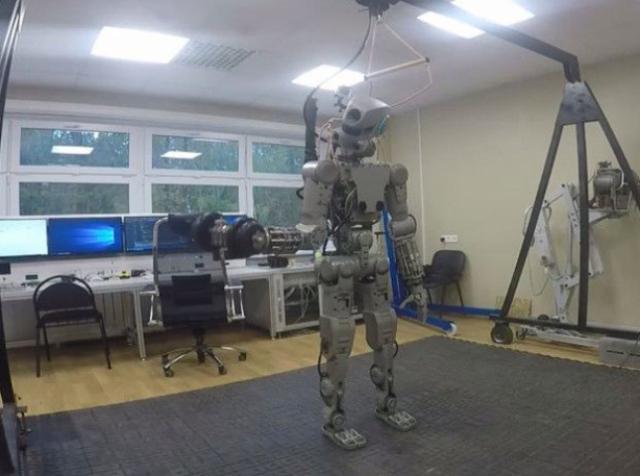 ФПИ тестирует робота для работы с МЧС