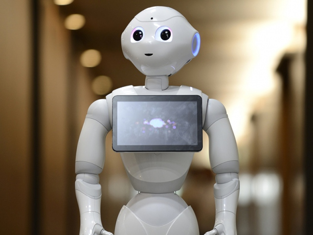 Холдинг Aeon возьмет на работу роботов и искусственный интеллект