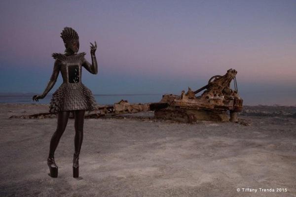 Интерактивное платье от Tiffany Trenda, напечатанное на 3D-принтере, поразило публику