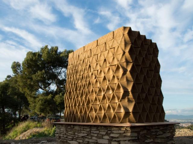 Испанские разработчики тестируют строительную 3D-печать с глиной и дронами