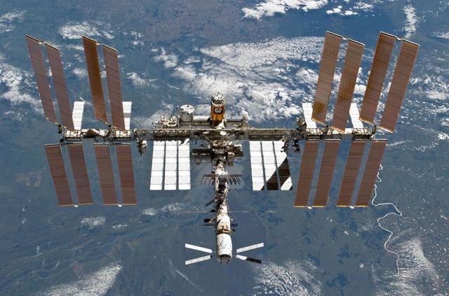 Из космоса возможно управление роботами, расположенными на Земле