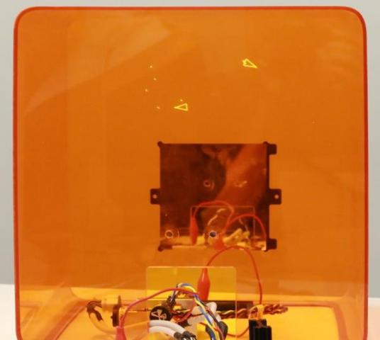 Из нескольких 3D-принтеров собрали игровую консоль
