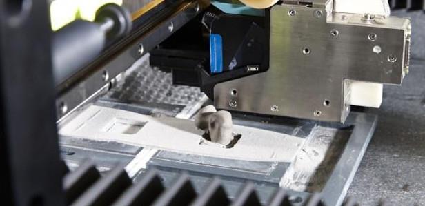 Канадские исследователи впервые напечатали на 3D-принтере растворяющиеся костные имплантаты