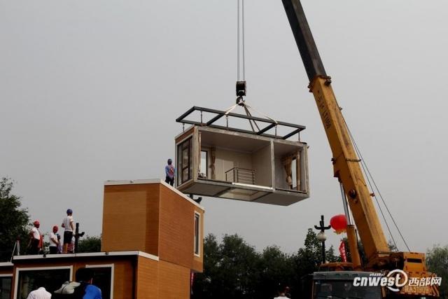 Китайці за 3 години надрукували будинок на 3D-принтері