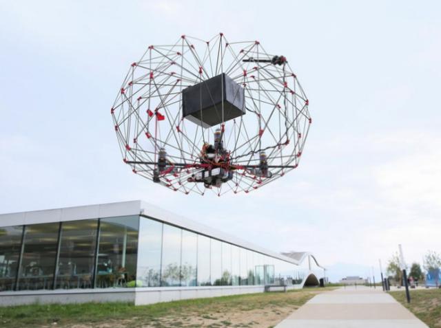 Команда разработчиков из Лозанны создала безопасный дрон для доставки