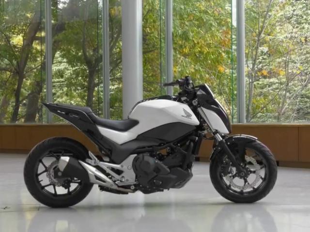Компанія Honda продемонструвала роботу системи балансування мотоциклів