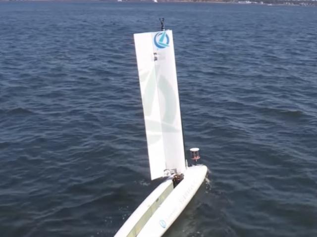 Компания Lockheed показала, как можно запустить летающий дрон с водной поверхности