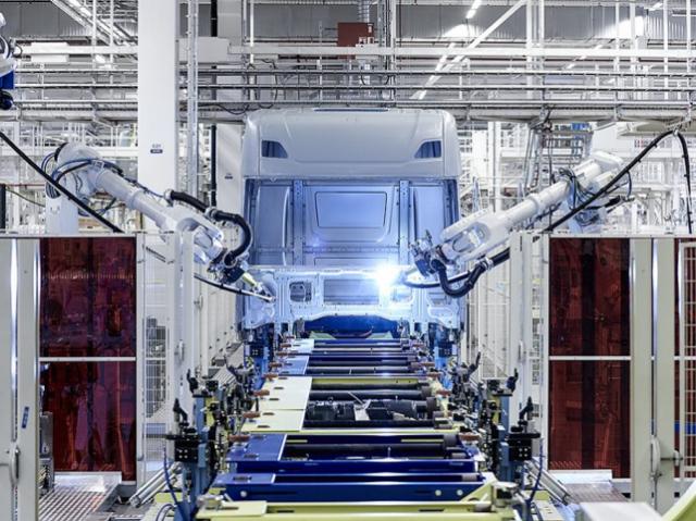 Компания Scania оборудовала завод передовой роботизированной техникой