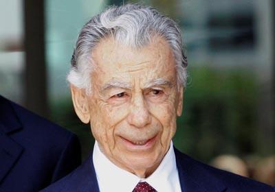 «Король Лас-Вегаса» Кирк Керкорян скончался в 98 лет
