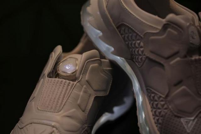Lenovo использовала 3D-принтер для создания умных кроссовок