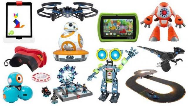 Лучшие роботизированные игрушки к Новому году
