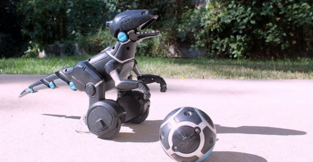 Miposaur – балансирующий на двух колесах робот-динозаврик