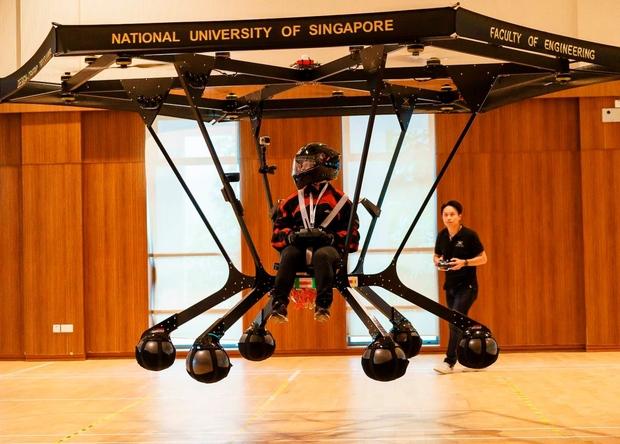 Мультикоптер с 24 роторами показали в Сингапуре