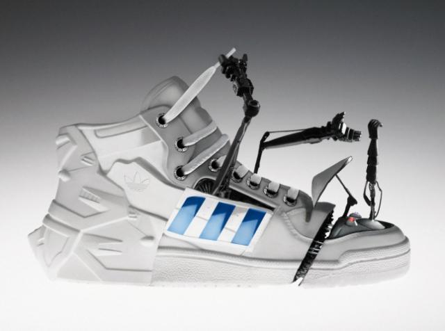 На экспериментальном заводе Adidas в Германии будут работать роботы