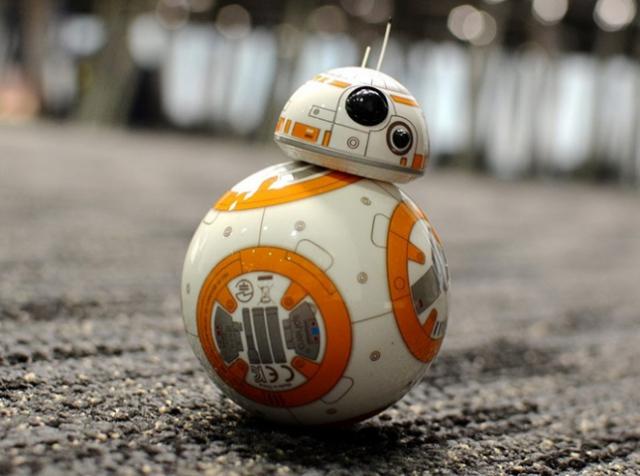 Не игрушками едиными: компания Sphero взялась за производство роботов-помощников