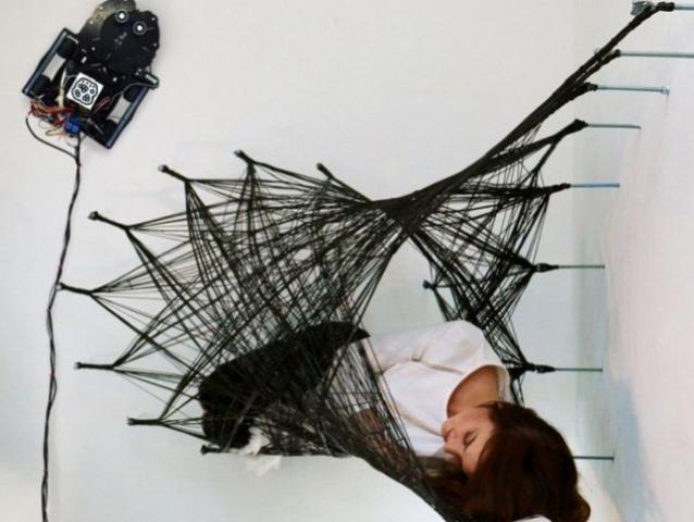 Необычные конструкции создают паукообразные роботы