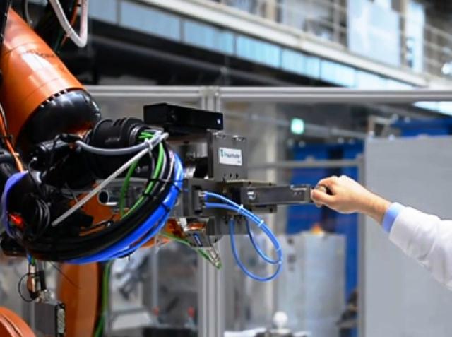 Новый этап взаимодействия людей и роботов в промышленности